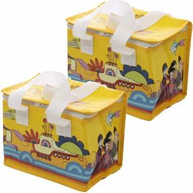 Set van 2x stuks kleine koeltassen voor lunch geel met yellow submarine print 16 x 21 x 14 cm 4,7 li