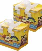Set van 2x stuks kleine koeltassen voor lunch geel met yellow submarine print 16 x 21 x 14 cm 4 7 li
